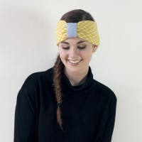 Triangle knitted headband - yellow
